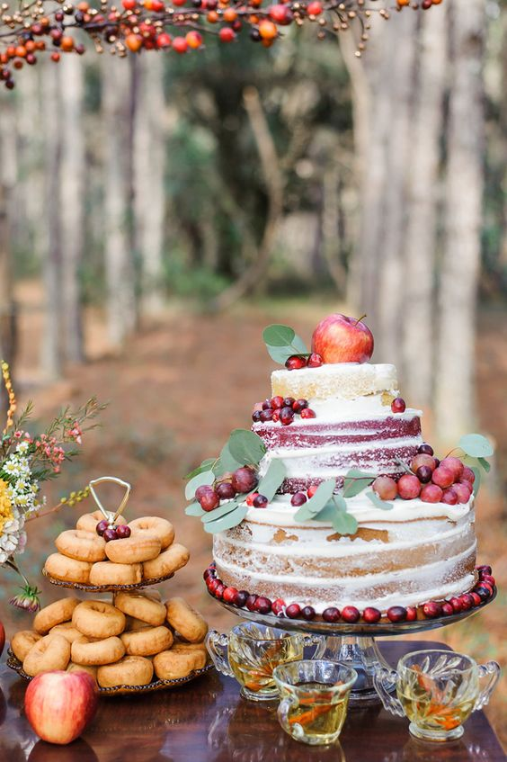 fall wedding cake with apples, grapes and cranberries