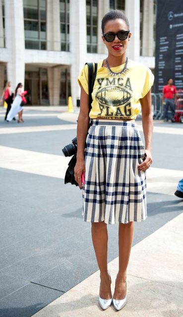 Look with checked skirt and old t shirt