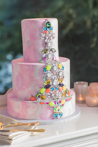 Rhinestone wedding cake | Grant & Deb Photographers