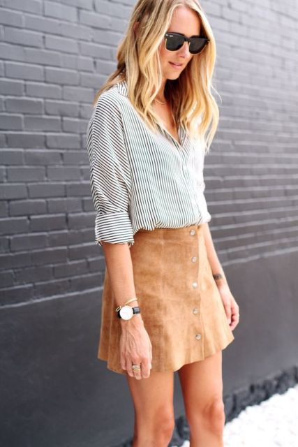 Look with striped shirt and button front skirt