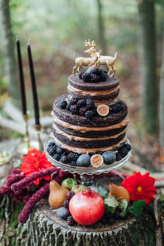 blackberry fall wedding cake