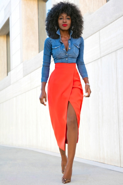 Look with midi skirt and denim shirt