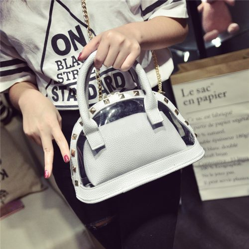 Style tips to carry clear and transparent handbags (2)