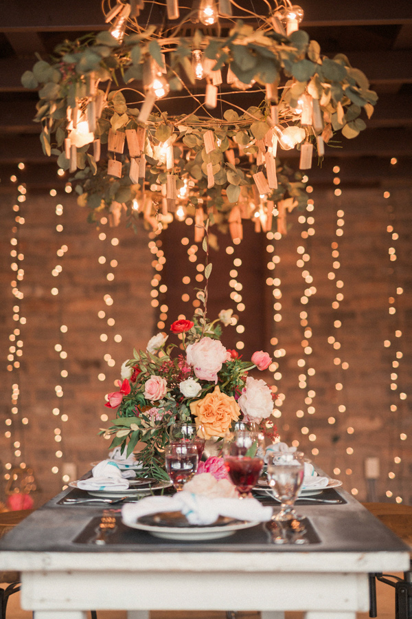 wedding lighting ideas - photo by Gideon Photography http://ruffledblog.com/artist-chalkboard-inspired-wedding