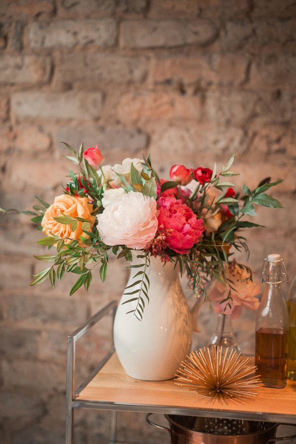 summer wedding flowers - photo by Gideon Photography http://ruffledblog.com/artist-chalkboard-inspired-wedding