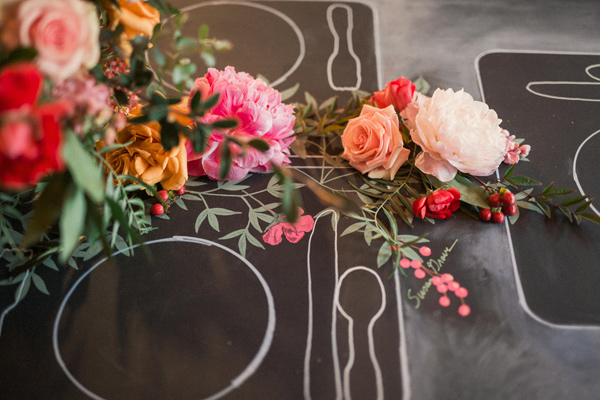 chalkboard place mats - photo by Gideon Photography http://ruffledblog.com/artist-chalkboard-inspired-wedding