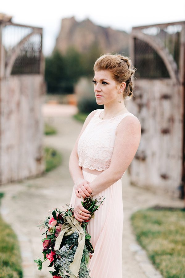 bridal gown styles - photo by Josselyn Peterson Photographer http://ruffledblog.com/pacific-northwest-sunset-wedding-ideas