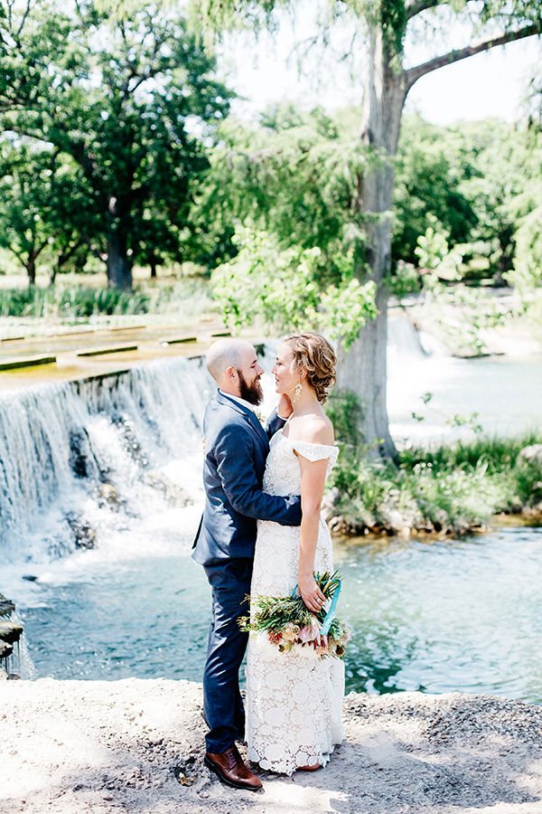 boho weddings - photo by Veronica Ellerman Photography http://ruffledblog.com/vibrant-bohemian-wedding-inspiration