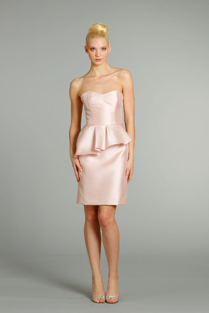 Cute light pink knee-length silk dress