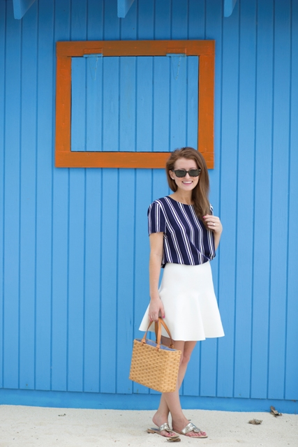 Simple look with straw tote