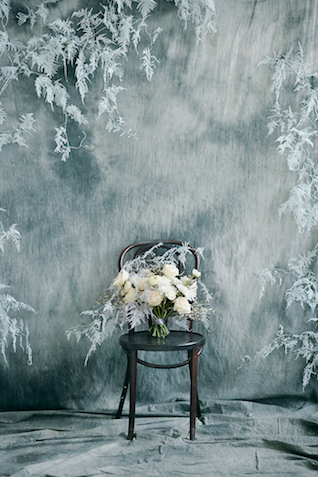Grey backdrop for a winter wedding | Svetlana Strizhakova