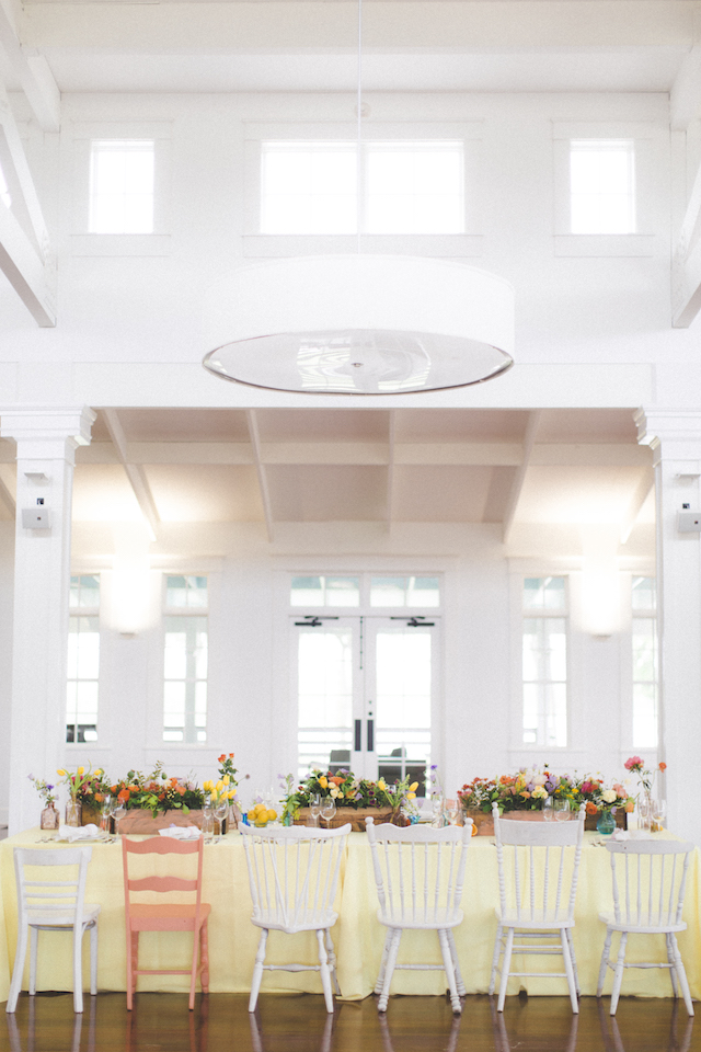 Modern wedding reception with a citrus color theme | Stephanie Yonce Photography