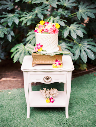 Tropical wedding cake | Angelica Chang Photography
