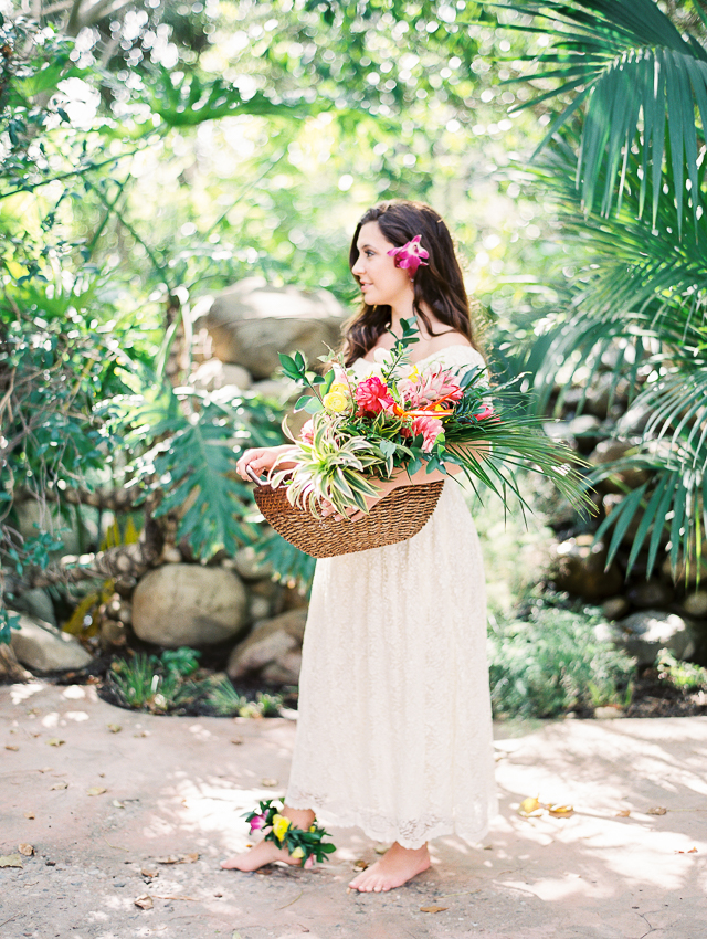 Hawaiian themed wedding ideas | Angelica Chang Photography