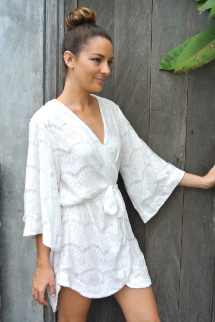 Airy summer white dress idea