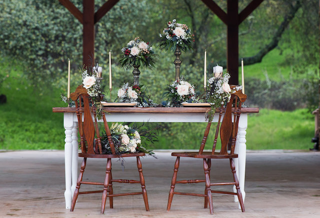 Rustic sweetheart table | Lumiére Visual Arts