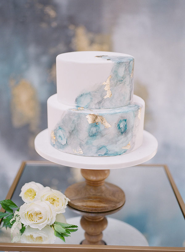 artistic wedding cakes - photo by Jillian Rose Photography http://ruffledblog.com/romantic-wedding-ideas-with-pops-of-jewel-tones
