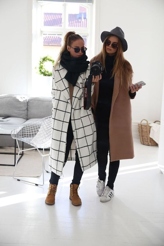 How to wear Shearling Boots - Ideas to wear Dresses with boots (25)