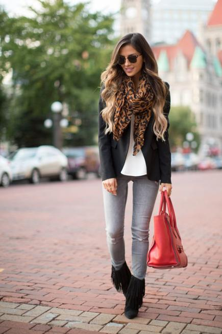 How to wear Shearling Boots - Ideas to wear Dresses with boots (21)
