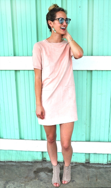 Mini dress with gray boots