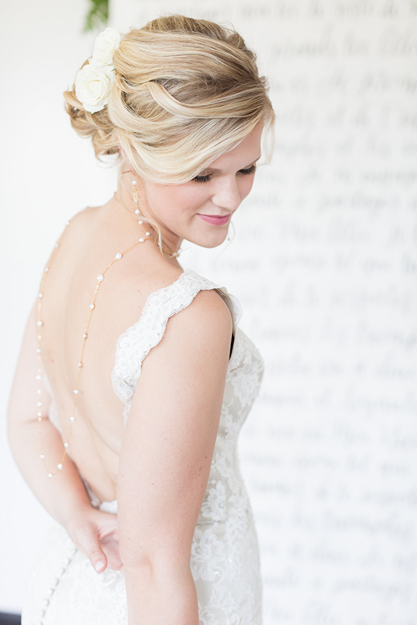 bridal hair ideas - photo by Ryan & Alyssa Photography http://ruffledblog.com/french-couture-wedding-inspiration