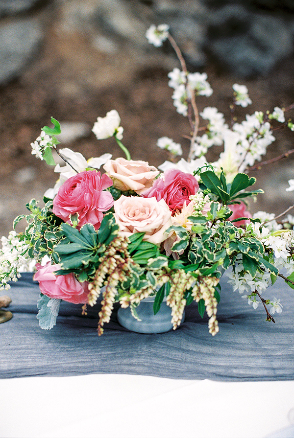 pink rose centerpieces - photo by Chelsea Q White Photography http://ruffledblog.com/waterfall-elopement-wedding-inspiration