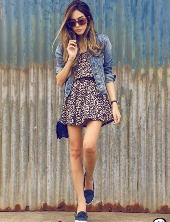 Cute Outfit Ideas To Wear With Slip-On Sneakers (12)