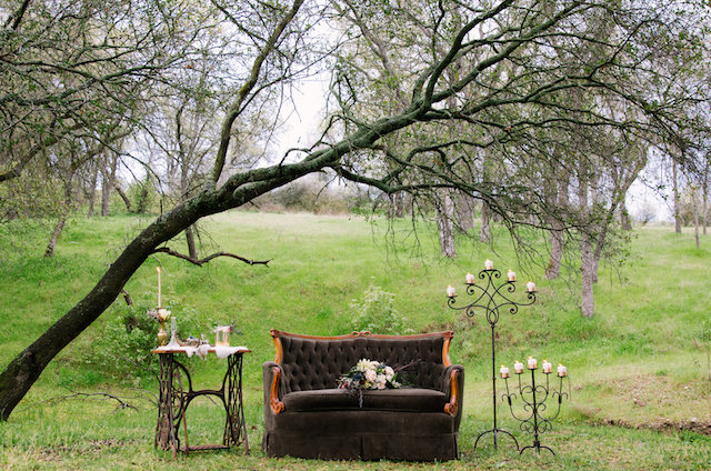 Vintage, rustic outdoor lounge area | Lumiére Visual Arts