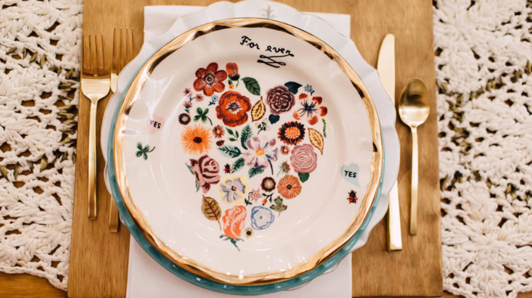 These floral dishes bring a boho and vintage touch