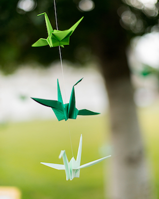 Origami cranes at weddings | Kelly Marie Photography