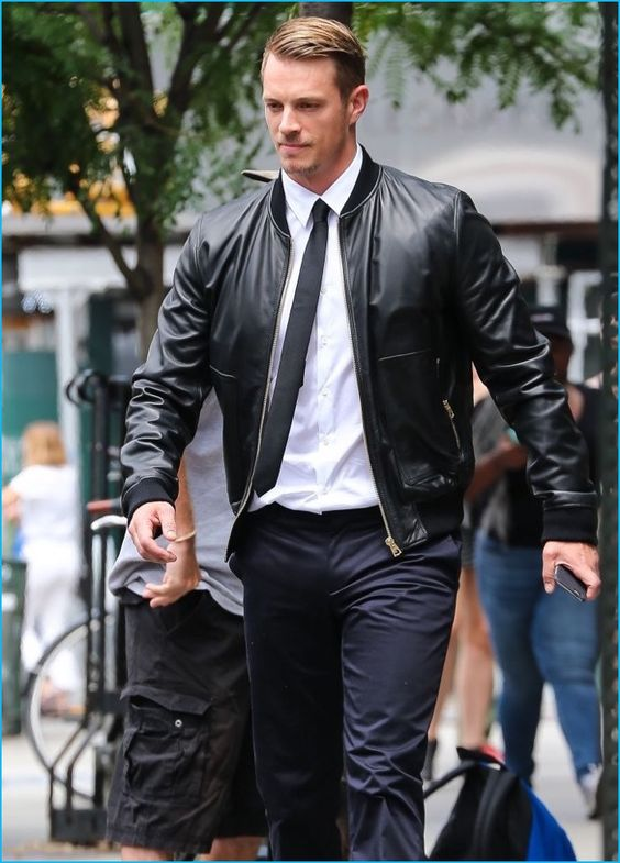 Ideas for Men to wear Leather Jackets (13)