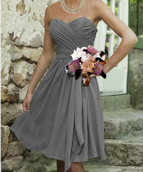 Charming gray dress with belt