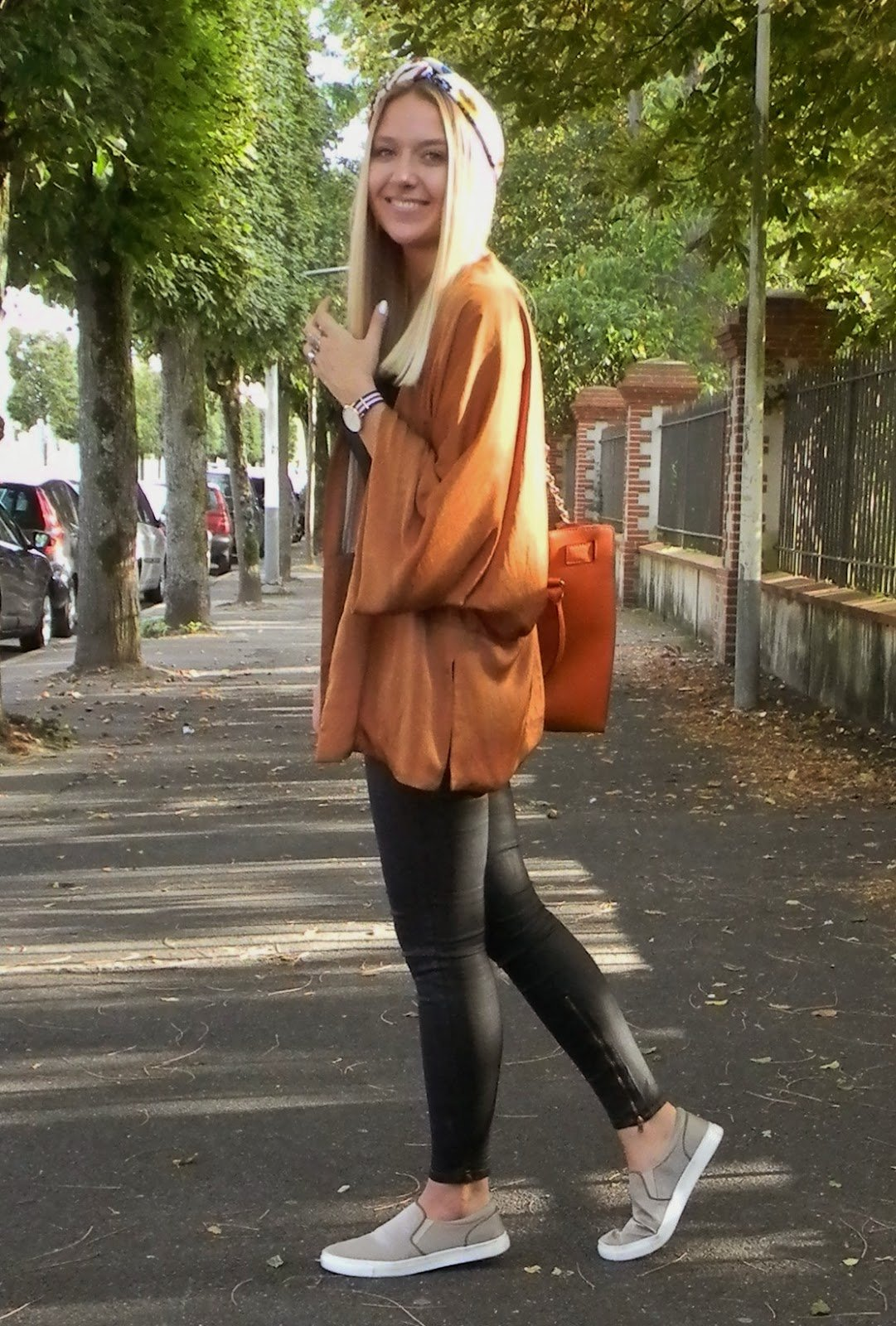 Cute Outfit Ideas To Wear With Slip-On Sneakers (5)
