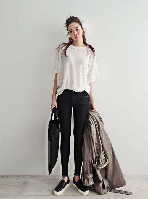Cute Outfit Ideas To Wear With Slip-On Sneakers (19)