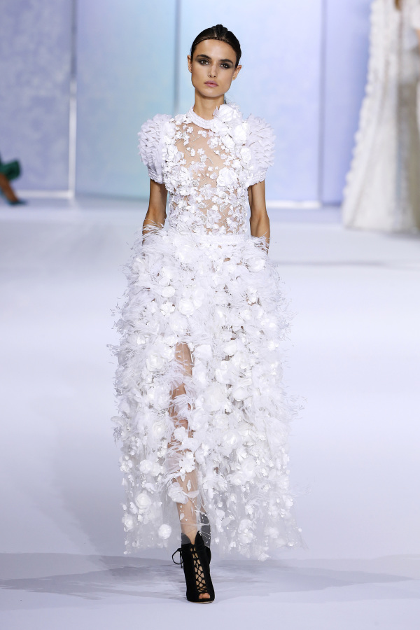 Another Ralph&Russo gown reminds of fluffy snow falling