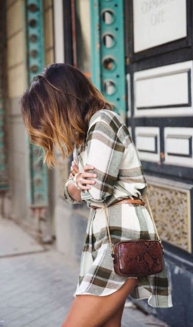 Plaid dress with thin belt and bag with chain strap