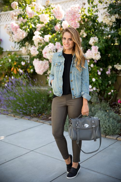 Cute Outfit Ideas To Wear With Slip-On Sneakers (21)