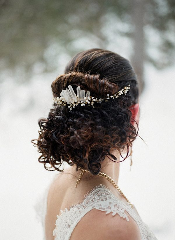 wedding hairpieces - photo by Sonia Bourdon Photographe http://ruffledblog.com/geometric-gems-styled-elopement