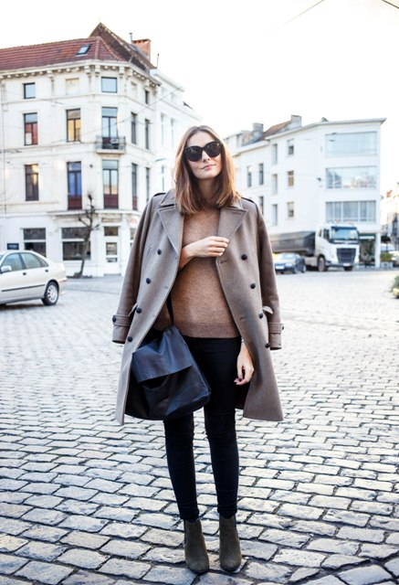 With neutral sweatshirt, leggings and ankle boots