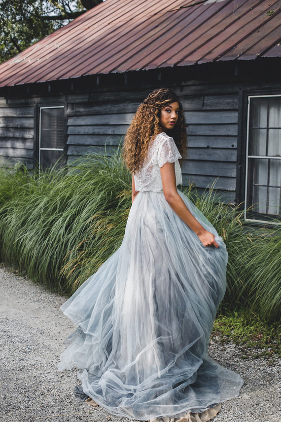 This moody orchard wedding shoot is full of trendy details to get inspired
