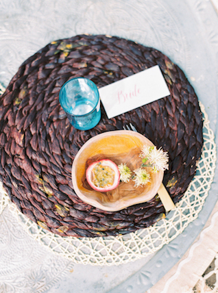 Tropical place setting | Alexandra Vonk