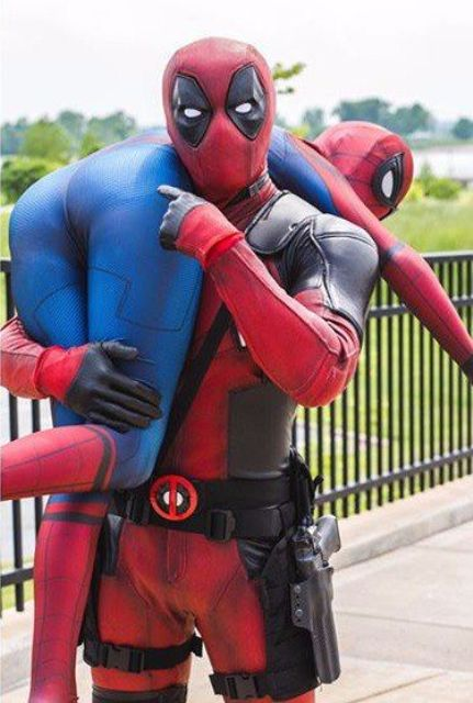 Dead Pool and Spiderman couple look