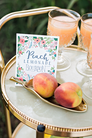 Peach custom cocktail | Amilia Photography