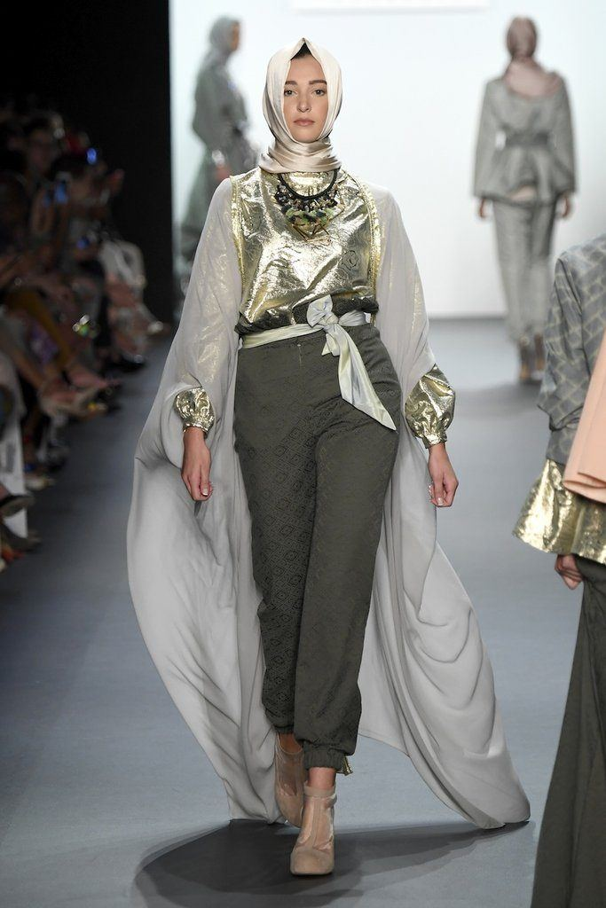 Hijab Collection in NYFW (3)