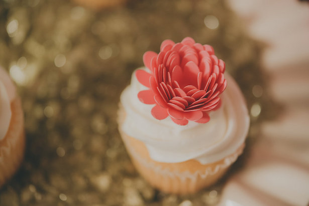 DIY Flower Cupcake Topper - Cristina Navarro Photography