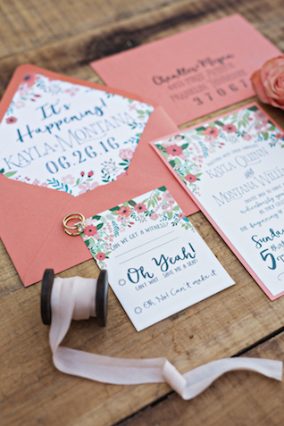 Peach wedding invitations | Amilia Photography