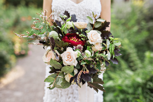 Fall bridal bouquet | Amilia Photography