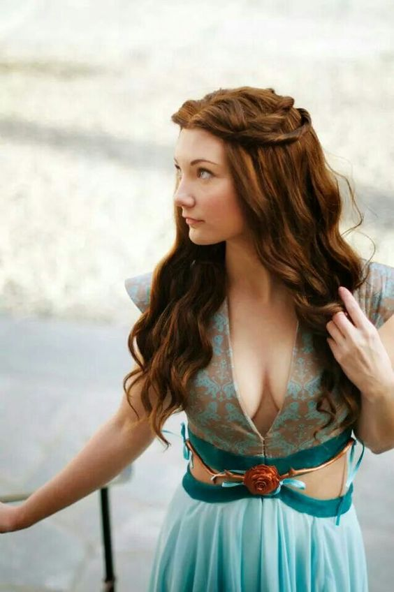 Margaery cosplayer looks like the real her