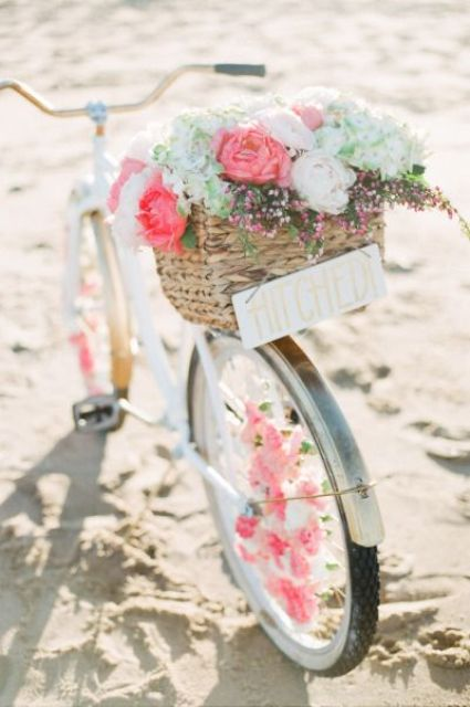 bike hamper filled with flowers is amazing for photo shoots