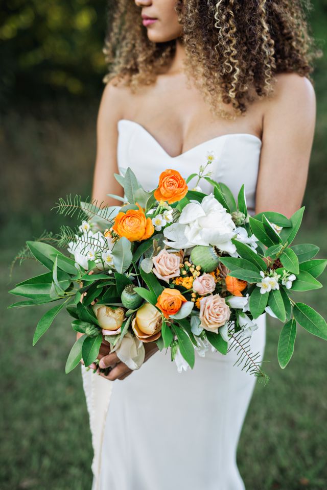 Magnolia bridal bouquet | Amilia Photography
